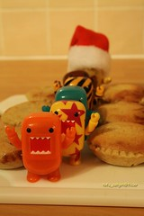 Yay Fresh Cakes!! (tofu_catgirl) Tags: food cooking cakes toy toys baking tasty delicious homemade domo domokun sponge qee nhk mincepies toy2r shortcrustpastry blindbox img6524