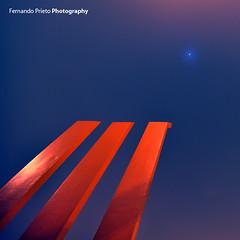 Geometry (F. Prieto // fprieto.es) Tags: sculpture moon noche geometry luna escultura alicante niebla geometria fernandoprieto nikond5000