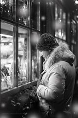 la magia del Natale (samy_flickr) Tags: christmas boy bw italy white snow man 50mm navidad nikon noel bn neve natale merano wihnachten d3100