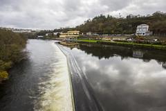 Sobre el ro Mio. (Lizraquel) Tags: espaa rio puente agua galicia lugo mio