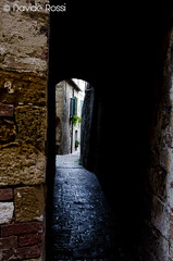 Pienza - Reflection of light in the stones of the narrow street (Davide Rossi PhotoArtDesigne) Tags: italy stones medieval tuscany siena pienza narrowstreets medievalvillage medievalatmosphere reflectionoflight