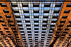 Prise en mains (fidgi) Tags: blue orange paris tree tower architecture canon torre tour bleu canoneos7d tourlavillette