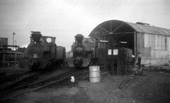 kent - sklr 0-4-2st locos outside shed kemsley down c71 JL (johnmightycat1) Tags: kent railway sklr kemsley 042t