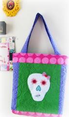 Bem vindo fevereiro  com sua alegria e cores! (Joana Joaninha) Tags: bag rosa patchwork bolsa caveira joanajoaninha