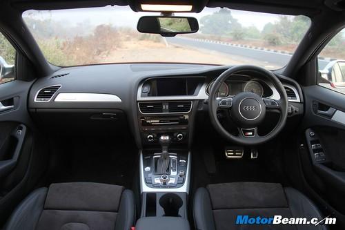 2013-Audi-S4-32