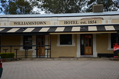 DSC_5577 Williamstown Hotel, 20 Queen Street, Williamstown, South Australia (johnjennings995) Tags: hotel pub williamstown williamstownhotel southaustralia australia