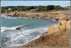 Corniche des Sables d'Olonne (Les photos de LN) Tags: corniche sablesdolonne vende ocanatlantique nature rochers criques falaises paysage littoral cte vagues cume