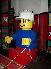 OH Bellaire - Toy & Plastic Brick Museum 152 (scottamus) Tags: bellaire ohio belmontcounty roadsideattraction toyplasticbrickmuseum display exhibit statue sculpture lego