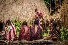 Gathering (tehhanlin) Tags: indonesia papua westpapua irianjaya nusantara honai noken wamena sony a7r2 a7rm2 ngc travel portrait humaninterest sukudani jayapura koteka