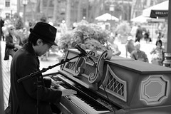 Playing Chopin (kogh65) Tags: new york photography photo travel art 2016 nyc ny street black white leica m mono tone city outdoor life people depth field reportage young kogh candid camera focus pov picture 50mm image manhattan artist kogh65 music piano chopin park bryant