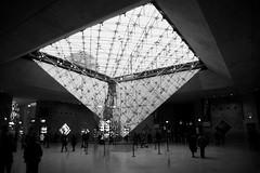 Pyramide du Louvre (WalShot) Tags: paris art architecture louvre sony alpha tamron pyramide alpha65
