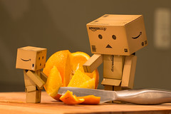 Take A Piece Of Orange (der_André) Tags: food orange fruit amazon knife messer andre eat der 2012 obst miura nahrung buxtehude danbo canonef100mmf28usm danboard canoneos60d hedendorf derandré