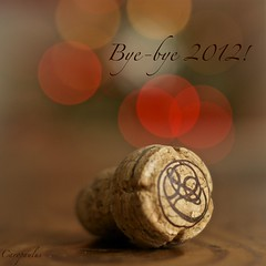 Bye-bye 2012! (Caropaulus) Tags: 50mm bokeh cork year end fin 2012 bouchon annee