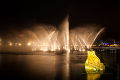 Aquanura (AlvinAarnoutsePhotography) Tags: longexposure wet fountain nikon dubai lasvegas tripod nederland netherland remote efteling themepark kaatsheuvel pretpark fontijn afstandbediening d90 statief nikkor18105mmvr langebelichtingstijd aquanura