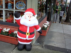 102_4304[] Sidewalk Santa (Frabjous Joy) Tags: california oakland wintertime christmastime streetscenes eastbayarea oaklandia californium urbanarium eastbaria theholidayshoppingseason