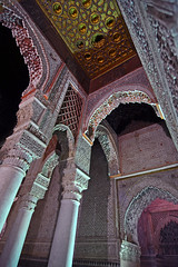 Saadian tombs - looking up (Thomas Roland) Tags: city travel holiday graveyard rouge golden al tomb mosque tourist ceiling morocco mausoleum maroc marrakech apples marrakesh sultan ahmad tombs carvings ville marokko attraction moske mansour turist moulay palads saadian yazid almansur