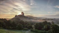 Encircling Mist - Corfe Castle (macdad1948) Tags: corfecastle dawn sunrise dorset wareham castle ruin english heritage