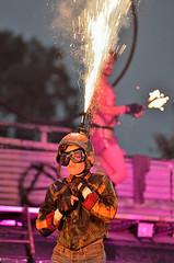 Burnt out punks (Piet Bink (aka)) Tags: show fun fire funny theater fireworks flames entertainment cabaret explosions openlucht vuur leuk streettheatre burlesk vlammen explosies