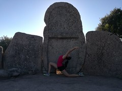 Crescent Moon (Claudia Olla) Tags: yoga yogalove yogalover yogafam yogafamily yogapants yogainspiration yogachallenge yogajourney yogaprogress yogaeverywhere yogaeveryday yogaeverydamnday yogini practiceandalliscoming headstand handstand backbend motivation workout fitness fitgirl homepractice sardegna sardinia archeology outside yogaoutside