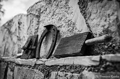 22082016-_DSC0019 (Franzberserk) Tags: bari noci puglia biancoenero campagna italia monocromo oggetti oggetto primopiano ruggine serratura vintage
