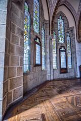 vidrieras-palacio-episcopal-Astorga_DSC5490-SNS (kanzer16) Tags: sony voigtlander ilce7r sonya7r superwideheliar15mmf45iii old naturallight window colors palacioepiscopal gaud astorga vidrieras luznatural