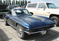 Split window Sting Ray (Schwanzus_Longus) Tags: bremen german germany us usa america american old classic vintage car vehicle chevy chevrolet corvette sting ray stingray split window coupe coup sports muscle sport