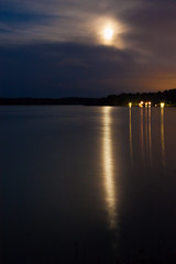 IMG_1576-1 (Andre56154) Tags: schweden sweden sverige wasser water see lake schären archipelago mond moon nacht night himmel sky wolke cloud spiegelung reflection