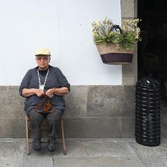 People portraits (A.Gonzlez) Tags: people gente mujer woman mercado market tejer sew knit coser santiagodecompostela corua acorua galicia espaa spain cuba cubano cubana silla chair