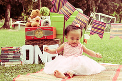 Laurice: Vintage (mrlosgutierrez) Tags: art asia amusement adventure kids photography perspective portrait photo colors cpg cpg2016 cpgcreatives canon canonph contrast creations creative concept canonasia canonl canonusa kiddos sweet colorful one birthday first