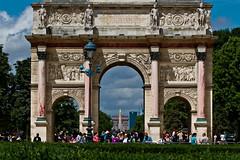 Parisian bird (Michel Couprie) Tags: paris france bird canon eos arch crowd 100mm concorde 7d foule arcdetriomphe oiseau carrousel toile oblisque arcdetriompheducarrousel