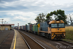 3AM5 through Corio (Henry Owen) Tags: train pacific australian victorian railway trains an class national vic locomotive vanilla nr railways dl pn locomotives am5 pacificnational corio dl48 australiannational nr15 3am5