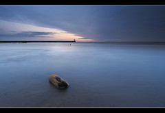 Blue Christmas (Eve) (Elidor.) Tags: morning blue sea lighthouse sunrise dawn coast pier northumberland driftwood christmaseve 1020 spittal silverrainbow