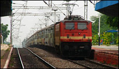 17201 Golconda Express (Ankit Bharaj) Tags: india station electric speed train high diesel indian platform engine gradient locomotive express hyderabad andhra railways coaches pradesh ankit golconda guntur lgd irfca secundrabad bharaj wap4 lallaguda