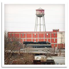 Savannah & Atlanta (bogray) Tags: train lexington ky watertower warehouse locomotive norfolksouthern emd dieselelectric sd70ace heritageunit savannahatlantarailway ns1065