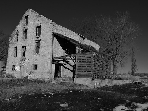 The Stagecoach Inn(Explore1-16-2013) (BillsExplorations) abandoned windmill rural vintage wednesday illinois rust ruins midwest decay destruction country machinery agriculture discarded waterpump abandonment ruraldecay stagecoach shuttered stagestop illinoisabandonment