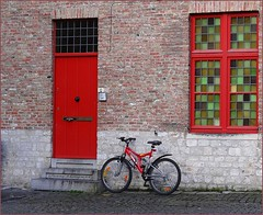 Bruges off the beaten path.. (jackfre2 (on a trip-voyage-reis-reise)) Tags: belgium bruges flanders veniceofthenorth mygearandme mygearandmepremium mygearandmebronze blinkagain rememberthatmomentlevel1 rememberthatmomentlevel2 vigilantphotographersunite