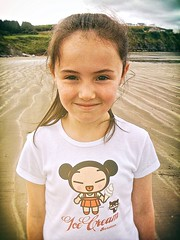 Ice Cream (Steve Lundqvist) Tags: ireland irlanda travel girl donegal child children portrait ritratto apple iphone manga ice cream smile beach