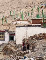 Rongphu Monastery 5 (joeng) Tags: tibet china places mountain landscape chomolungma mteverest rongphumonastery himalayas monastery temple chorten building prayerflag people