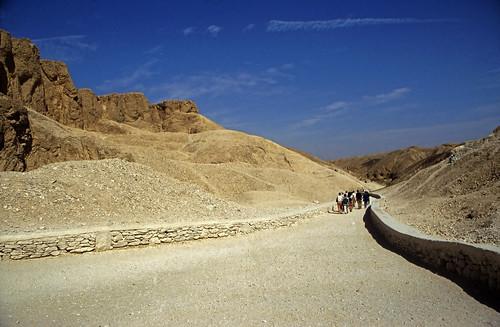 "Ägypten 1999 (397) Theben West: Tal der Könige • <a style=""font-size:0.8em;"" href=""http://www.flickr.com/photos/69570948@N04/29486354501/"" target=""_blank"">View on Flickr</a>"