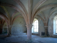 Chapter House Pier, Abbaye de Fontenay