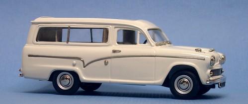 Lansdowne Austin 60 caravan (4)