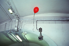 (Lili Dobermann) Tags: paris color 35mm metro diary balloon olympus muji fujifilm analogue foucault 400iso surveillancecamera surveilleretpunir