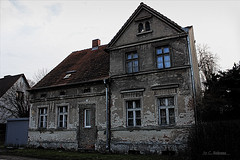 Das Haus (KLammipic) Tags: door old house contrast canon eos high shot alt haus definition tr hdr gemany rate kontur 550d neuzelle hardlook