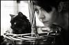Luna y Gosia (byfer / Fernando Ocaña) Tags: woman blancoynegro film cat 50mm nikon kodak luna gato pelicula fe 2012 gosia cesta selfdeveloped película analogico 18f thelittledoglaughed 400tmx