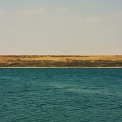 Mare a unire Paesi divisi (bebo82) Tags: sea dead lago israel mare riva pentax morto palestina israele pentaxk20d pentaxk20