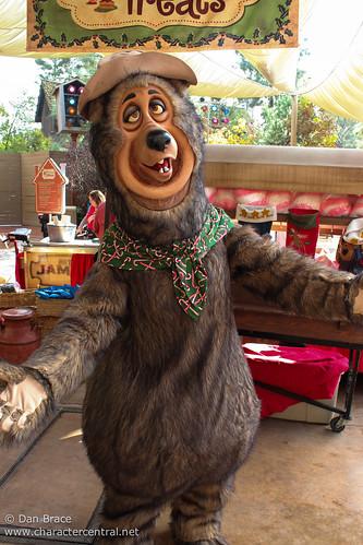 Shaker At Disney Character Central