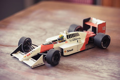 (zamax4) Tags: auto scale car table toy miniature f1 racing collection mclaren formula senna mesa goodyear carrera ayrton escala