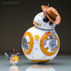 BB-8 : The Sheriff and His Deputy. (Randy Santa-Ana) Tags: bb8 spherobb8 sphero starwars theforceawakens lego legostarwars legobb8 cowboy deputy sheriff