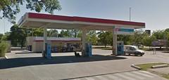 ESSO Servicentro El Jardn - Estacin de servicio (EDL-Funes) Tags: esso exxonmobil exxon gasstation fillingstation petrolstation gasolinera estacindeservicio argentina sanmigueldetucumn tucumn