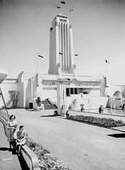 10; Central Tower, Centennial Exhibition - Circa 1940 (Wellington City Council) Tags: wellington historicwellington 1800s 1900s 1950s